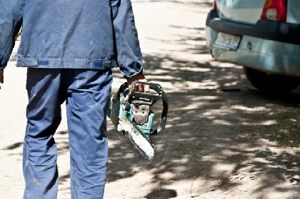 ВПрикамье осудили мужчину, напавшего наавтомобиль сбензопилой