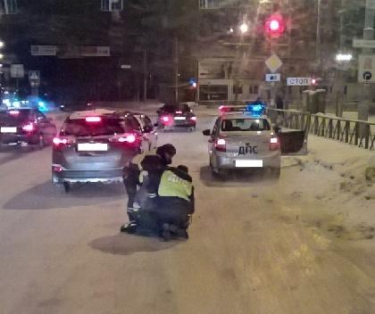 ВПерми нетрезвый шофёр после ДТП подрался сполицейскими