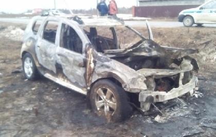 ВПрикамье после опрокидывания вкювет сгорел джип, шофёр умер