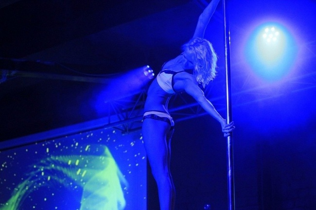 Вся правда о стриптиз клубах скрытое видео в ночных клубах